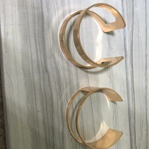 unbranded Jewelry - ❤️Women's fashion gold cuff new bracelet❤️